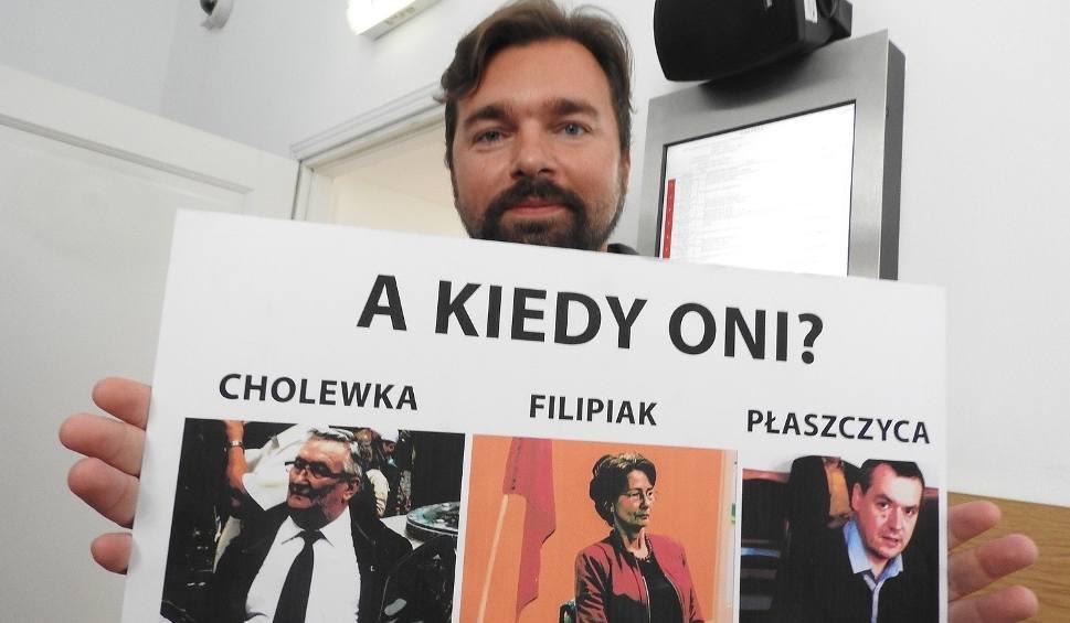 Film do artykułu: Happening na procesie burmistrza Wadowic. Grożą mu trzy lata więzienia
