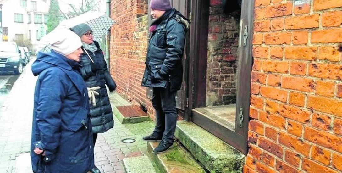 Urzędnicy, zanim pozytywnie zaopiniowali kupno przez miasto zabytkowej baszty, dok ładnie obejrzeli ją od wewnątrz