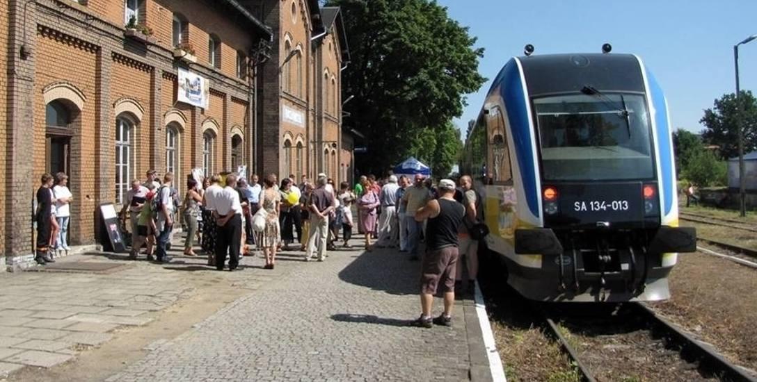 Przewozy Regionalne informują, ze praktycznie z roku na rok zwiększają liczbę tak zwanych pociągokilometrów.