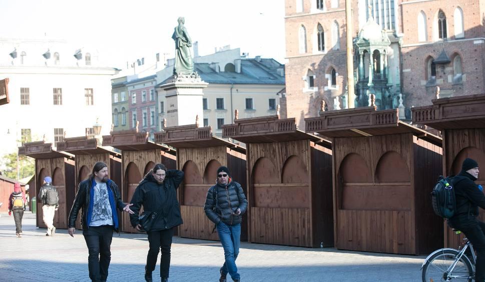 Film do artykułu: Targi Bożonarodzeniowe 2018 Kraków. Rozpoczęły się przygotowania [data, program, atrakcje]