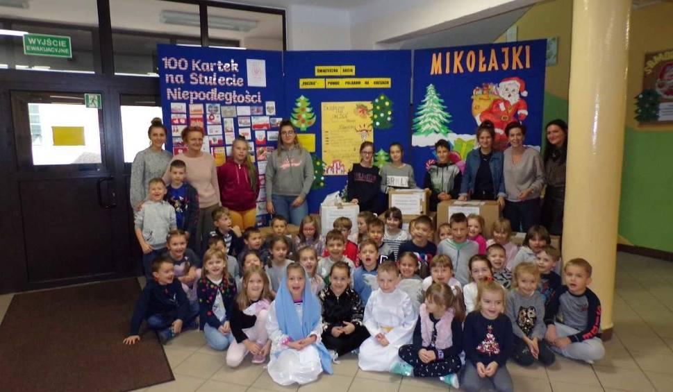 Film do artykułu: Uczniowie szkoły z Szydłowca także wsparli Szlachetną Paczkę. Przygotowali ją dla potrzebujących rodzin