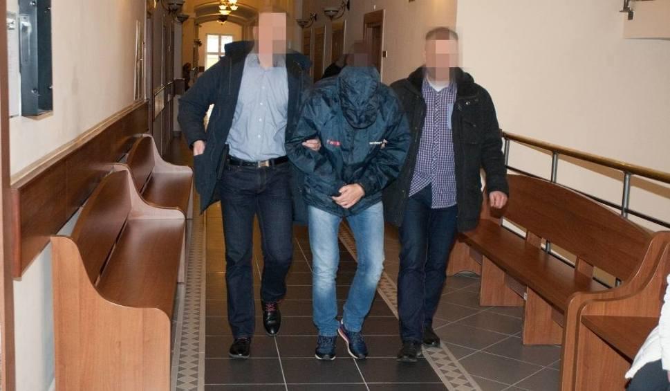 Film do artykułu: Policjant ze Słupska oskarżony o gwałt