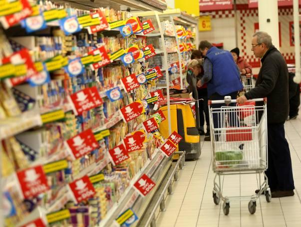Niedziele handlowe w grudniu. Przed nami trzy tygodnie bez zakazu handlu. Ale w przyszłym roku okazji do zakupów będzie mniej