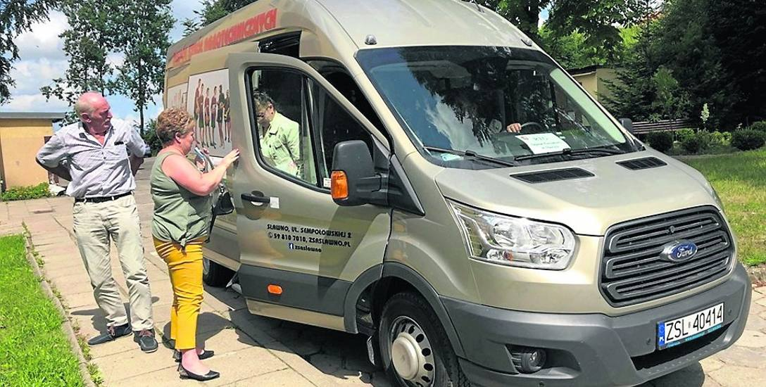 W poniedziałek, 15 lipca do Sławna wyruszył pierwszy bus z pacjentami z Darłowa, którzy mieli skierowanie na badanie RTG