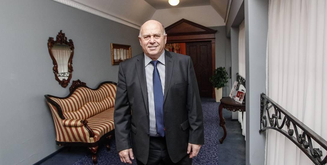 Grzegorz Lato zagrał na trzech mistrzostwach świata. Dwa razy w 1974 i 1982 roku zdobywał brązowe medale.