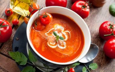 Pikantna zupa krem z pomidorów.