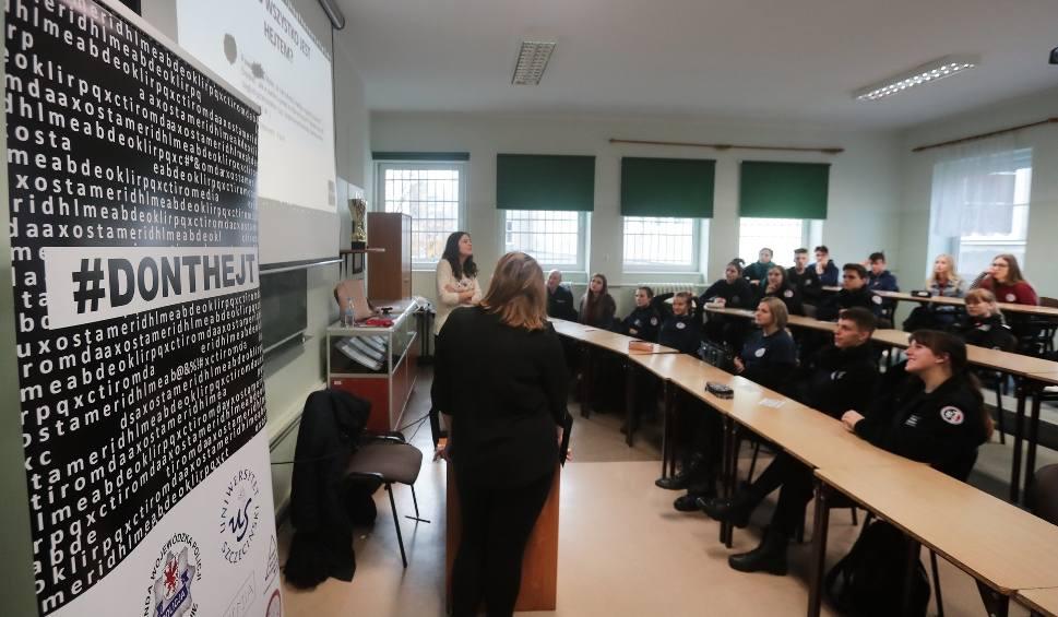 Film do artykułu: Szczecin: Młodzież licealna uczyła się, jak radzić sobie z hejtem [ZDJĘCIA, WIDEO]