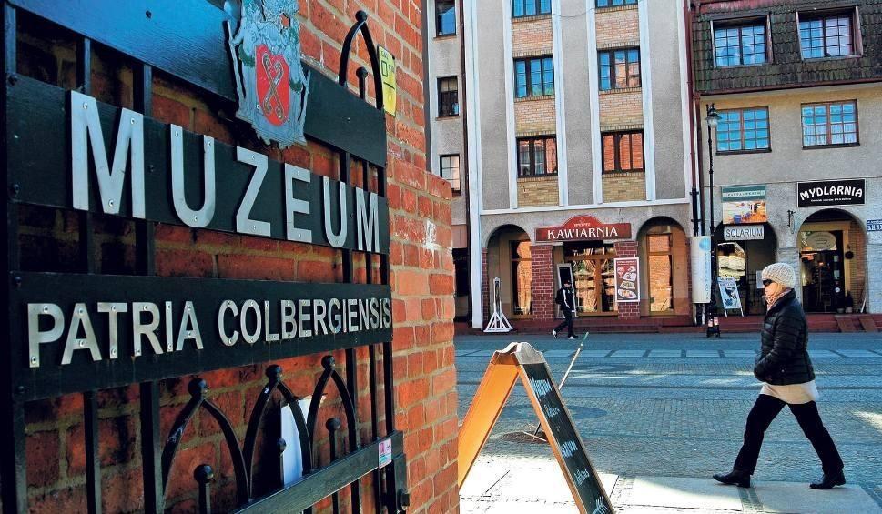 Film do artykułu: Burmistrz Joachim Nettelbeck (na płótnie) zaprasza na Noc Muzeów w Muzeum Patria Colbergiensis