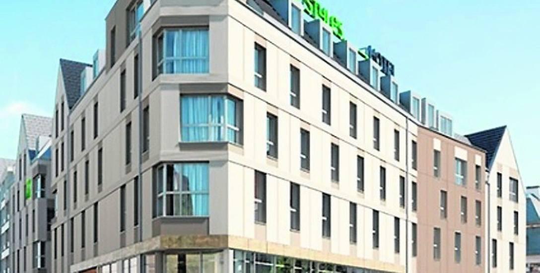 """Hotel IBIS Styles przy ul. Panieńskiej, na prawo Nowy Rynek. Czy kształt spodoba się i czy nie jest zbyt """"nowoczesny""""?"""