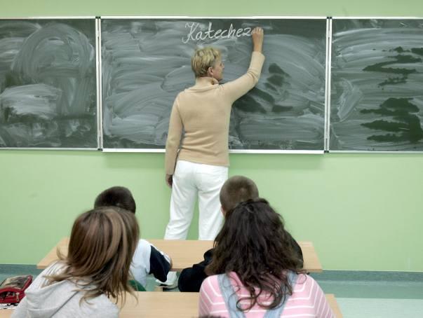 Uczniowie coraz częściej rezygnują z lekcji religii