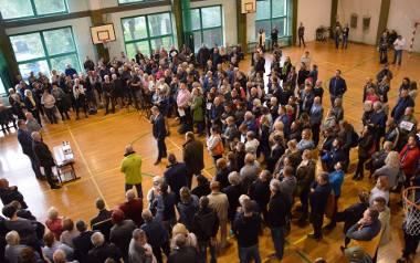 Tłumy mieszkańców przyszły na jedno ze spotkań informacyjnych w sprawie kopalni w Łazach.