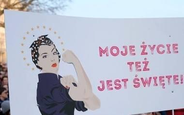 #SłowoNaNiedzielę, czyli kobiety będą strajkować pod diecezjami i archidiecezjami
