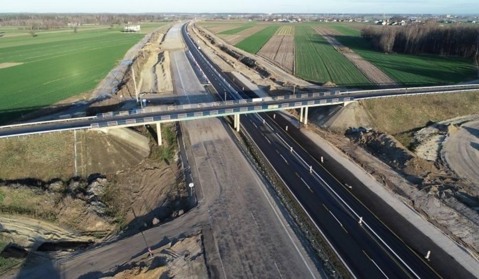 Film do artykułu: Autostrada A1 zamknięta na dwa dni. Drogowcy będą wyburzać sześć nieczynnych wiaduktów. Ogromne utrudnienia w weekend. Będą objazdy