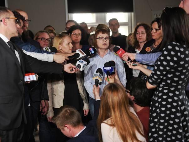 Nastroje wśród strajkujących nauczycieli są bardzo napięte. Podczas gdy w Warszawie pedagodzy mimo protestu decydują się na klasyfikowanie tegorocznych