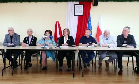 Członkowie Stalowowolskiego Porozumienia Samorządowego na konferencji prasowej krytykowali obecnego prezydenta