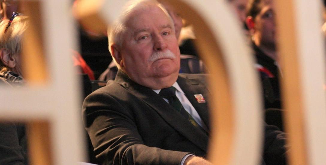 Leszka Wałęsy gry w zbijanego [archiwalny artykuł z 2009 roku]