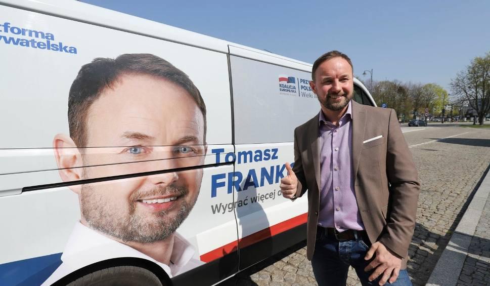 Film do artykułu: Wybory do Europarlamentu 2019. Tomasz Frankowski chce odwiedzić wszystkie powiaty. Frankobusem [ZDJĘCIA, WIDEO]