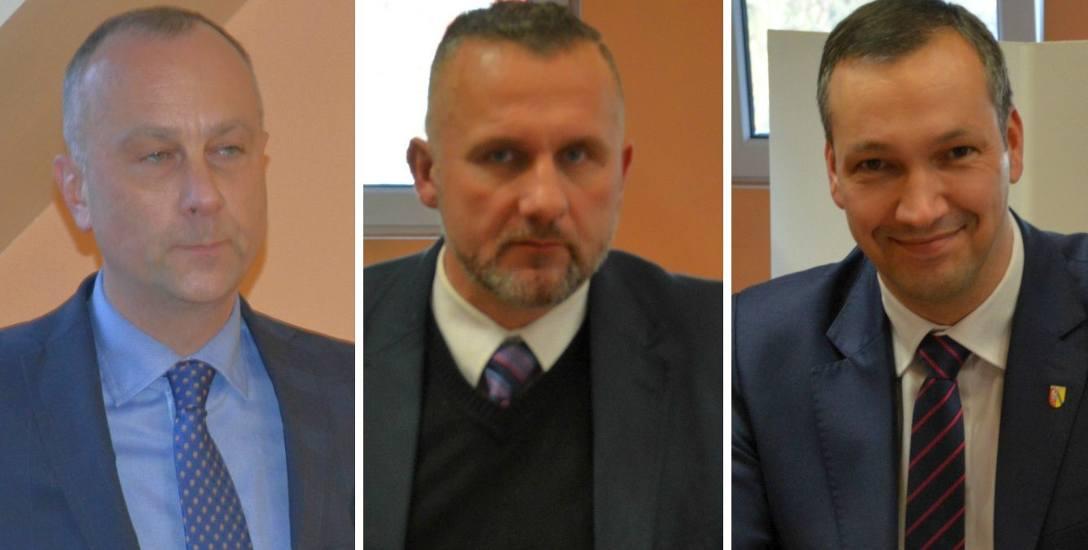 Nowy starosta Marcin Jabłoński zostaje na stanowisku. Radny Robert Tomczak zapowiada dziś o referendum. Tomasz Stupienko, były wicestarosta, też broni