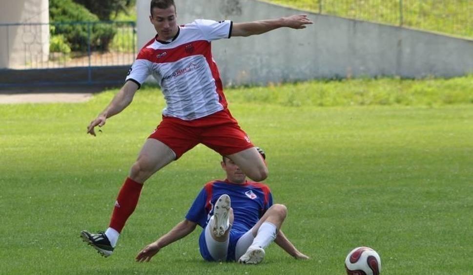 Film do artykułu: Bardzo upalna piłkarska sparingowa sobota w regionie radomskim.