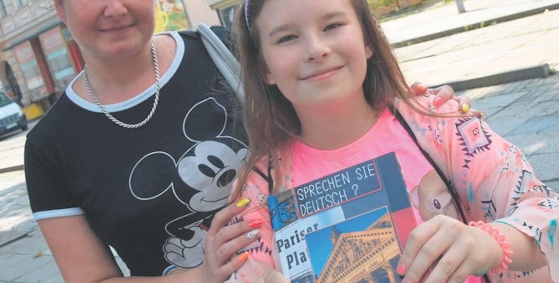 – Jeszcze wszystkiego nie kupiliśmy, a już wydałam 400 zł – mówi Sylwia Barczyszyn z Janczewa, mama Amelii, piątoklasistki