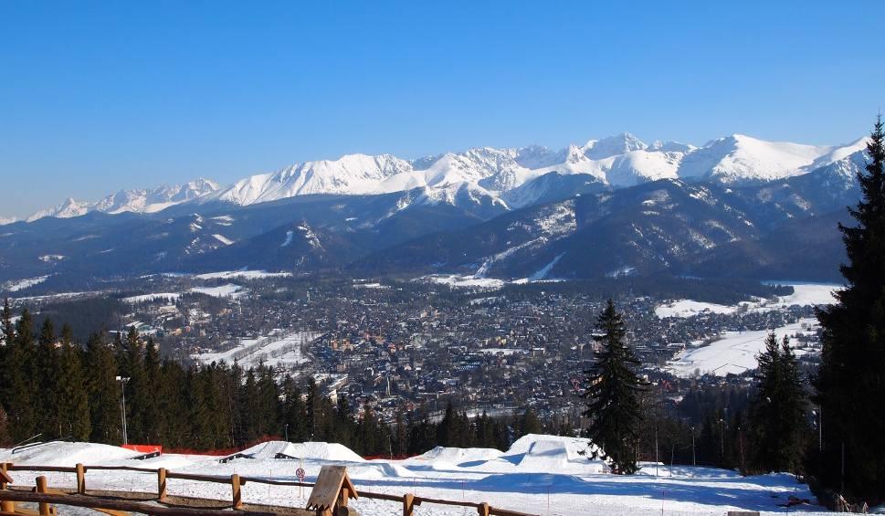 Film do artykułu: W polskie Tatry przyjeżdża coraz więcej turystów. Miniony rok był rekordowy na szlakach Tatrzańskiego Parku Narodowego