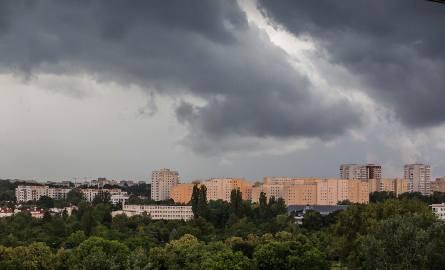 Burza na Śląsku i Zagłębiu: Gradobicie i porywisty wiatr