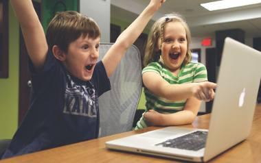 Nie od dziś wiadomo, że najmłodsze pokolenie w świecie nowoczesnych technologii radzi sobie wyjątkowo sprawnie, niemal naturalnie przystępując do obsługi