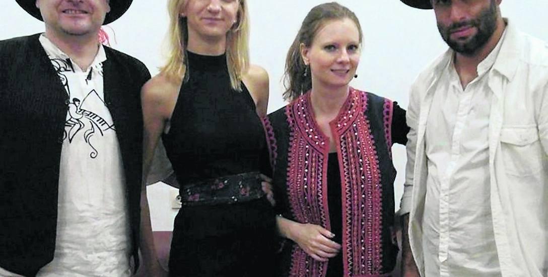 Zespół LimTrio jest tworzony przez:  Renatę Borucką, Magdę Pluta i Krystiana Jaworza, a także gościnnie Łukasza Wrońskiego.  (Na zdjęciu od lewej: Łukasz,