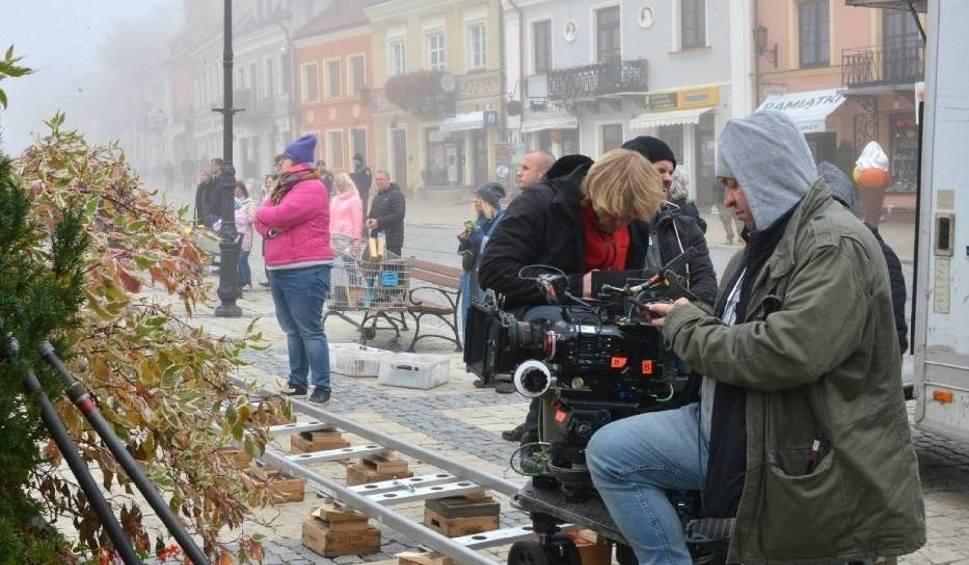 Film do artykułu: Kulisy kręcenia Ojca Mateusza w Sandomierzu. WIADOMOŚCI
