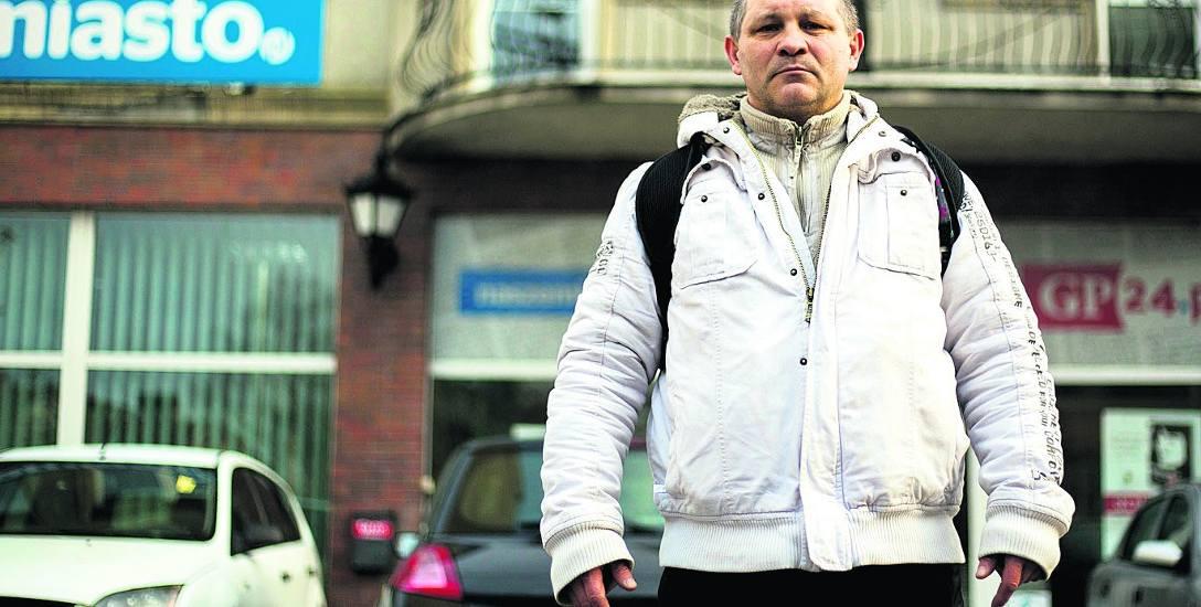 - Mam wrażenie, że tacy ludzie jak ja nie są szanowani przez różne systemy działające w naszym kraju - uważa Tadeusz Pilśniak, który samotnie wychowuje