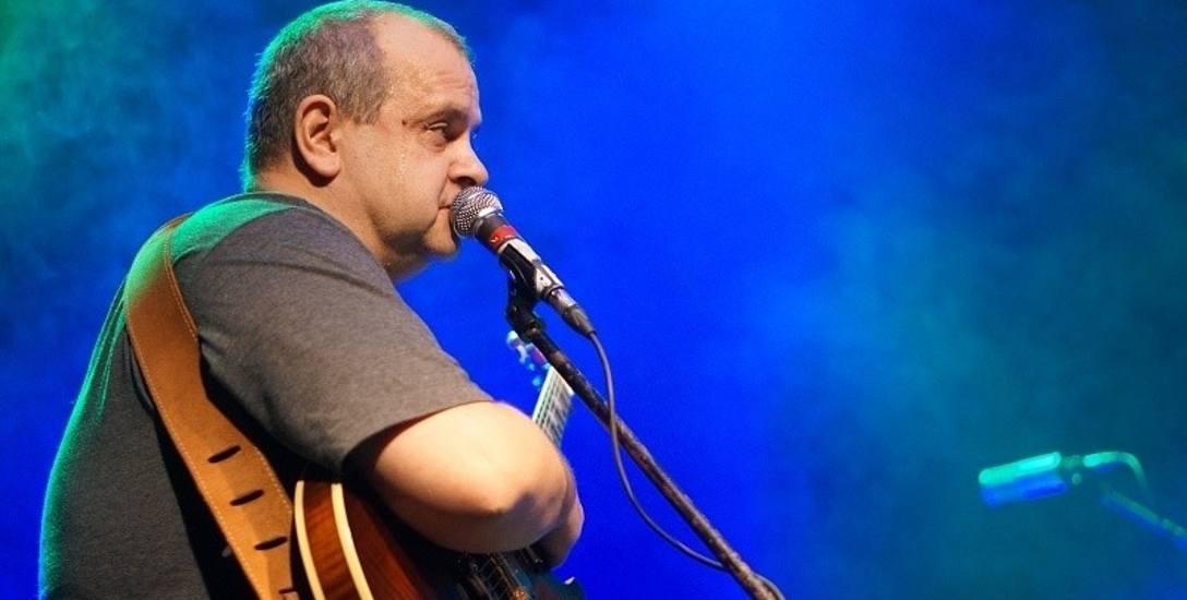 Marek Gąsiorowski o biciu rekordu w graniu bluesa non stop: Liczymy, że zmiany w naszej bluesowej sztafecie będą szybkie