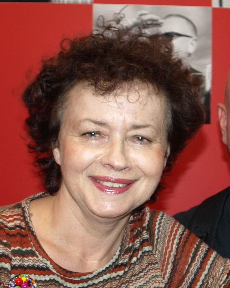 Joanna Szczepkowska (ur. 1 maja 1953 w Warszawie) – polska aktorka teatralna, filmowa i telewizyjna, pisarka i felietonistka