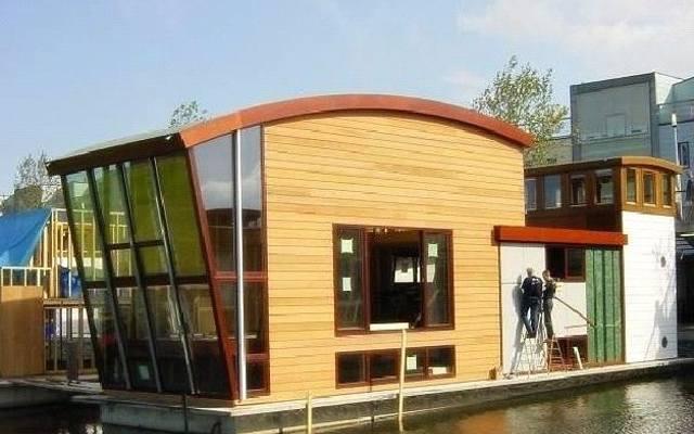 Holandia stała się prawdziwą ojczyzną pływających domów.
