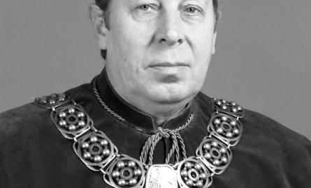 Prof. dr hab. inż. Janusz Boss był pracownikiem naukowym Politechniki Opolskiej