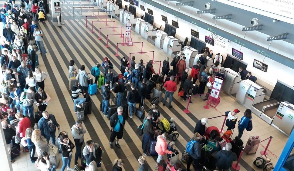 Film do artykułu: 2 miliony pasażerów na lotnisku Katowice Airport od stycznia do czerwca 2019. Słabszy sezon czarterowy w Pyrzowicach przez uziemione Boeingi