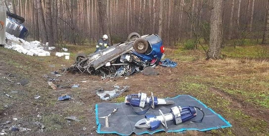 Wczoraj rano (04.02) doszło do kolejnego śmiertelnego wypadku na odcinku drogi nr 10 między Toruniem a Bydgoszczą. W Emilianowie zderzyły się samochody