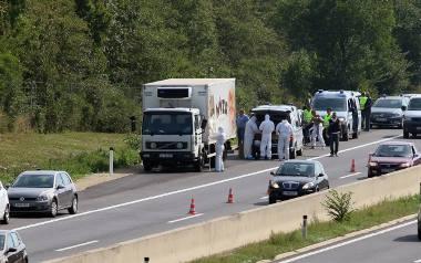 Austria: W ciężarówce znaleziono ciała blisko 70 imigrantów. Udusili się w chłodni [VIDEO+ZDJĘCIA]
