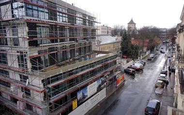 Najdroższe są lokale w śródmieściu i na Starym Mieście. Na zdjęciu budowa Litewski Art Residence