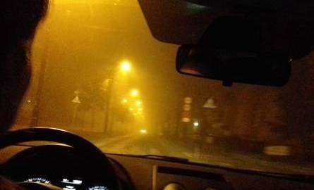 Ok. godziny 20.30 w bydgoskim Śródmieściu była dość ograniczona widoczność - zapewne częściowo spowodowana przez mglistą aurę, a częściowo przez zanieczyszczenia