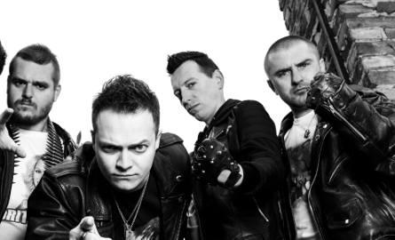 Nocny Kochanek od lewej: Robert Kazanowski (gitara), Krzysiek Sokołowski (wokal), Arek Majstrak (gitara), Artur Pochwała (bas)