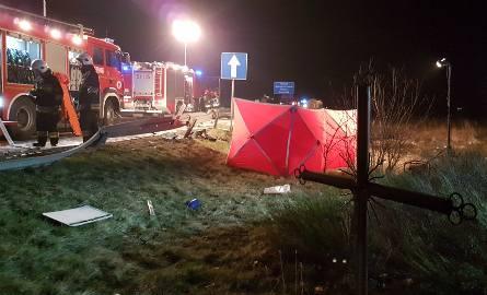 Śmiertelny wypadek na DK1 przy Hucie Porajskiej. Zginęło dwóch mężczyzn