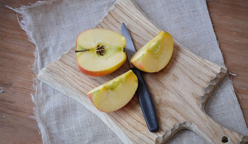 Film do artykułu: Gwoździe w jabłkach. Niebezpieczna moda wśród kobiet, lekarze ostrzegają internautów [25 stycznia 2020]