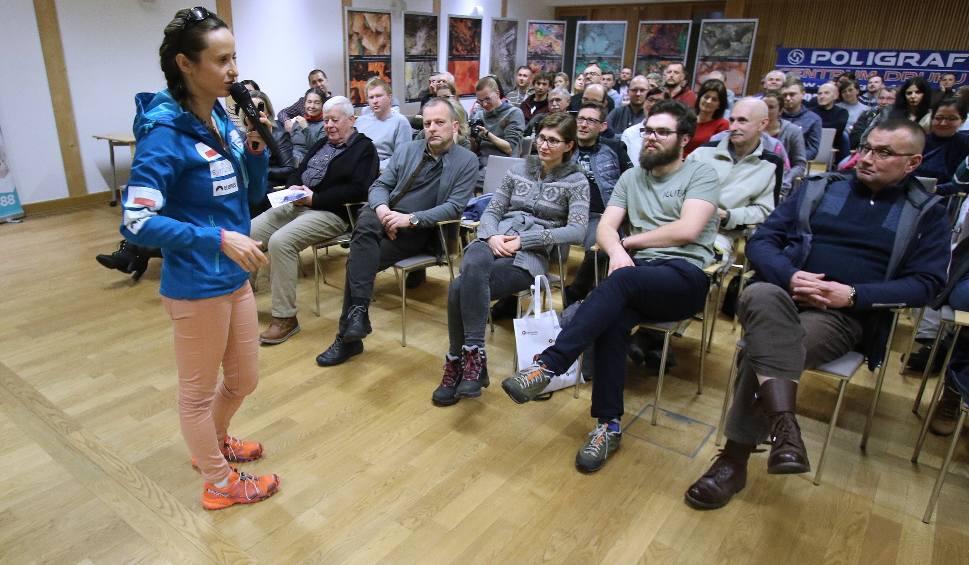 Film do artykułu: Miłka Raulin, zdobyła najwyższe szczyty na Świecie. Opowiedziała o tym w Kielcach [ZDJĘCIA, WIDEO]