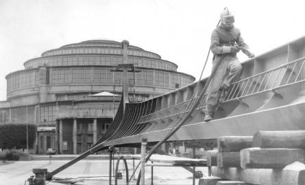 Drugi kapitalny remont wrocławskiej iglicy został wykonany w kwietniu 1979. Pierwszy odbył się w 1964 a sama iglica stoi od 1948r.
