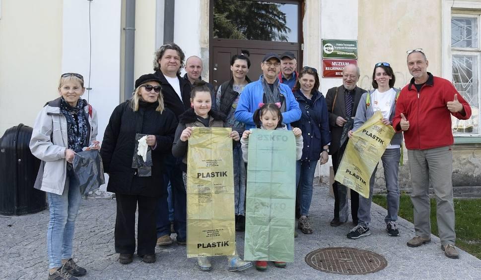 Film do artykułu: Przedświąteczne sprzątanie na koneckich turystycznych szlakach (ZDJĘCIA)