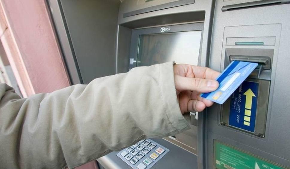 Film do artykułu: Utrudnienia w bankach 8-11 listopada. Klienci mogą mieć problem z dostępem do konta!
