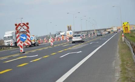 Budowa autostrady A1 już się rozpoczęła. Kierowcy muszą liczyć się z utrudnieniami. Budowa odcinka między Tuszynem i Częstochową będzie współfinansowana