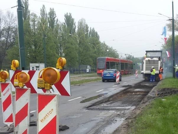 Tramwaj linii 15 w Sosnowcu potrącił robotnika pracującego przy przebudowie ulicy 3 Maja