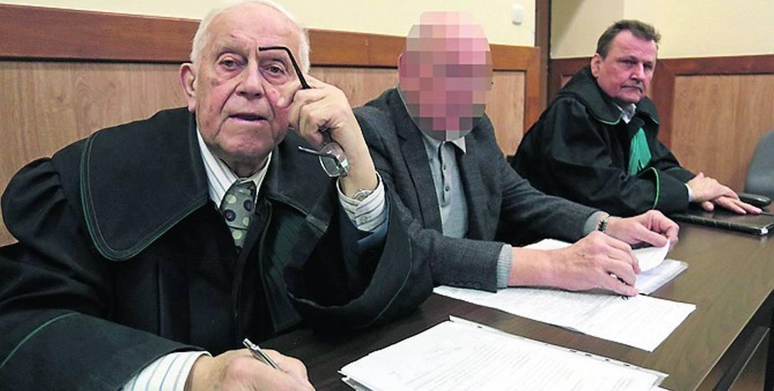Na rozprawę przyszedł jedynie doktor Janusz K. W ostatnim słowie prosił o uniewinnienie dla siebie i swojego zespołu.