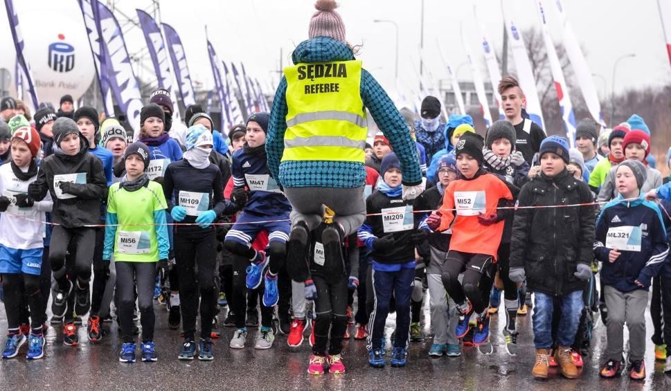 Film do artykułu: Bieg Urodzinowy Gdynia 2018. Pobiegli młodzicy w ramach pierwszej odsłony PKO Grand Prix Gdyni 2018 [zdjęcia, wyniki 17.02.0218]